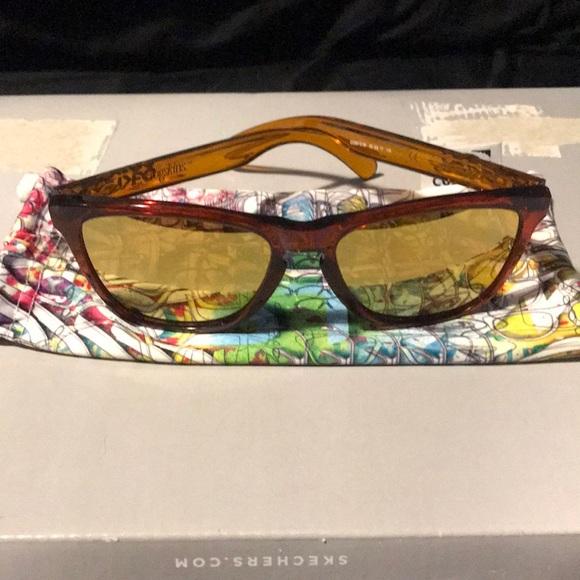 802e38b8da Polarized Oakley Frogskin sunglasses. M 5be1c7d6de6f625452ab4ea9